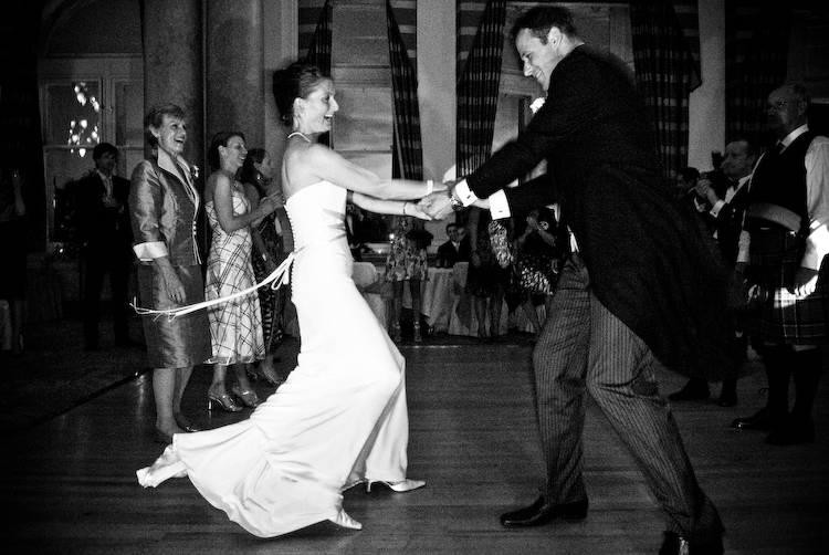 Wedding-Party-Dance-Songs.jpg